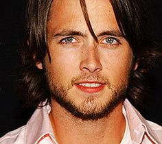 Justin Chatwin Birthplace: Nanaimo, British Columbia, Canada.  After regular TV work throughout the early 2000s, Canadian actor Justin Chatwin gained recognition in 2005 for his supporting role as Tom Cruise's son in the Steven Spielberg-directed summer blockbuster War of the Worlds.