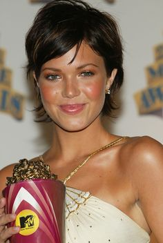 Mandy Moore awesome haircut! Love it!!