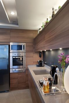 A Deadly Mistake Uncovered on Modern Wooden Kitchen Designs and How to Avoid It - walmartbytes Wooden Kitchen, Kitchen Dining, Kitchen Decor, Kitchen Cabinets, Kitchen Cabinet Layout, Kitchen Interior, Interior Design Living Room, Sweet Home, Functional Kitchen