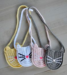 Introducing the Bitty Kitty Bag! This is another variation of the Bitty Boho Bag where I show you how to take the Bitty Boho Bag pattern, change it up just a little, and get a whole new bag! My fir… Kids Purse, Cat Purse, Crochet Handbags, Crochet Purses, Crochet Bags, Cute Crochet, Crochet For Kids, Crochet Girls, Easy Crochet