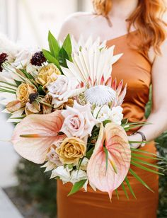 They planned for a year and turned their boho meets tropical engagement party into a surprise wedding! A Rue de Seine dress and sangria bar topped it off! See how the pulled it all off with an intimate guest list and seriously inspiring wedding style! #gws #greenweddingshoes #surprisewedding #bohowedding #tropicalwedding Wedding Centerpieces, Wedding Bouquets, Wedding Flowers, Wedding Decorations, Wedding News, Wedding Vendors, Wedding Styles, Sangria Bar, Thistle Wedding