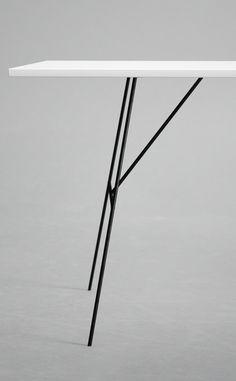 Metal Y Table Legs von Nordy auf DaWanda.com