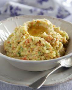 Stoemp van aardappel, wortel en prei - Recepten - Culinair - KnackWeekend.be
