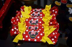 Olha que linda esta Festa Mickey e Minnie.         ... Fiesta Mickey Mouse, Red Minnie Mouse, Baby Mickey, Mickey Mouse Clubhouse Birthday Party, Mickey Party, Mickey Mouse Birthday, Mickey Decorations, Mickey Baby Showers, Balloon Centerpieces