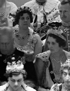 Belle epoque amethyst tiara and necklace, inherited by Lady Maud Carnige (via Queen Alexandra, to her daughter, Duchess of Fife, Then countess of Duff and Southesk), seen at the Coronation of George VI in 1937.
