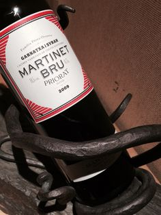 Un clásico. Valor seguro. DOQPriorat. Martinet Bru 2009 Red Wine, Alcoholic Drinks, Bottle, Twitter, Glass, Wine Goblets, Drinkware, Flask, Corning Glass