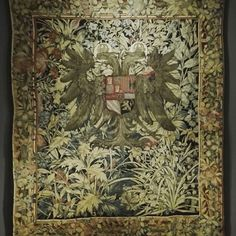 I have this thing for wall tapestries. The effort that is put into them never stops to amaze me 💚  #rijksmuseum #tapestry #details #botanicalart #beautiful