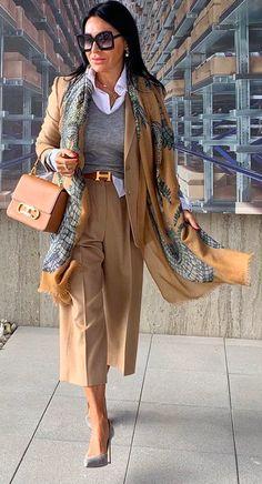 Mature Fashion, Cute Fashion, 50 Fashion, Fashion Looks, Fashion Outfits, Womens Fashion, Stylish Older Women, Stylish Clothes For Women, Classy Outfits