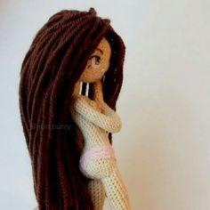 M Crochet Crafts, Crochet Dolls, Crochet Christmas Trees, Realistic Dolls, Amigurumi Doll, Little People, Free Knitting, Doll Toys, Embroidery Needles