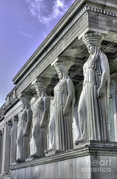 Caryatids at the Science and Industry building, David Bearden. - Caryatids at the Science and Industry building, David Bearden. Historical Architecture, Ancient Architecture, Amazing Architecture, Architecture Details, Architecture Art, Ancient Greek Sculpture, Architectural Sculpture, Great Buildings And Structures, Greek Gods