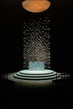 THE MIT CHAPEL The Massachusetts Institute of Technology (MIT) chapel was designed by the Finnish-American architect Eero Saarinen. He enhanced the spiritual and emotional experience of the visitors by seperating them from the divine, using a focal glow of daylight.