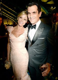 Modern Family TV couple Julie Bowen and Ty Burrell sweetly posed for a photo together at the HBO Emmys after party.