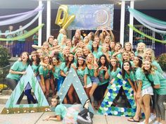 U of Cincinnati Tri Delta under the sea bid day