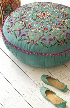 The color of this 'suzani' style pouffe is so dreamy… works great for a shabby-chic house with an ethnic, bohemian edge. The pink pom-pom trimming is feminine, yet not overboard; it's still an adult's pouffe. Boho Chic, Shabby Chic, Turquoise, Teal, Aqua, Moroccan Pouf, Moroccan Tiles, Moroccan Bedroom, Gypsy Decor