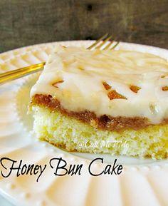Easy Honey Bun Cinnamon Roll Cake - tastes like a cinnamon roll without the wait!