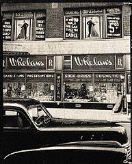 Whelan's, New York City, Brett Weston, 1944. © The Brett Weston Archive. Gift of Christian K. Keesee