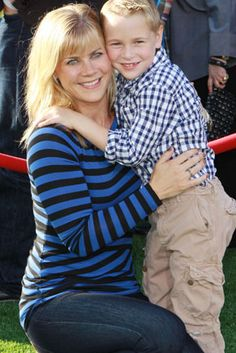 Alison and Ben Sweeney Sanov Miss The Old Days, Alison Sweeney, Soap Stars, Group Shots, Famous Couples, Days Of Our Lives, Beautiful Family, Hourglass, Soaps