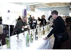 La mayor feria mundial del vino a granel cierra sus puertas por primera vez con una demanda superior a la oferta http://www.vinetur.com/2012112010453/la-mayor-feria-mundial-del-vino-a-granel-cierra-sus-puertas-por-primera-vez-con-una-demanda-superior-a-la-oferta.html