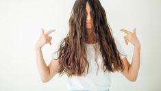 Cum îți tunzi bretonul singură Gwyneth Paltrow, Meghan Markle, Dreadlocks, Long Hair Styles, Beauty, Long Hairstyle, Long Haircuts, Dreads, Long Hair Cuts