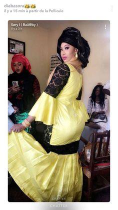 "( 17 Photos ) mariage de son cousin, Diaba Sora en Sagnsé mode ""Yeurei Olof"" Admirez les 17 Photos à couper le souffle…"