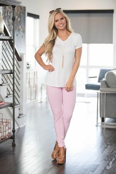 Our skinny pastel pink jeggings will be the next best thing to your most comfortable pair of leggings! The super stretchy and soft material will keep you comfortable all season long, while the beautif