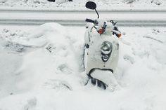 um dia depois na nevasca de janeiro de 2015.williamsburg - brooklyn, ny.