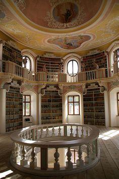 Old library in Füssen / Flickr - Photo Sharing!