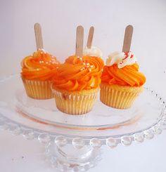 Dreamsicle Orange cupcakes! Recipe included! From Amanda Cupcake
