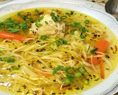 Supe și Ciorbe Archives - Page 2 of 6 - Bucatarul Chicken Noodle Soup Calories, Pickled Tomatoes, Green Tomato Recipes, Soup Recipes, Healthy Recipes, Food Garnishes, Romanian Food, Slow Cooker Soup, Potato Dishes