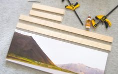 Floating canvas tutorial for oversized art. Floating Canvas Frame, Diy Canvas Frame, Diy Frame, Canvas Art, Canvas Ideas, Space Frame, Cheap Wall Decor, Diy Wood Projects, Furniture Projects