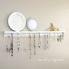 oh man this would prevent the every morning frustration of trying to untangle my necklaces!