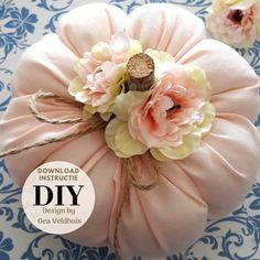 Pink Pumpkins, Velvet Pumpkins, Fabric Pumpkins, Fall Crafts, Diy And Crafts, Fall Harvest, Autumn, Aztec Art, Pumpkin Centerpieces