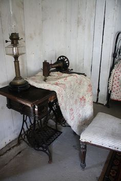 Love the tall Lamp #sewing #treadle