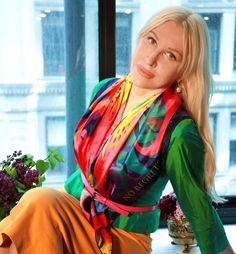 "36x36"" (90cm) 100% silk carré scarf, hand-rolled edges, #silkscarf #silkscarves #silkscarfs #puresilkscarf #squaresilkscarves #designerscarf #fashion #fashionblogger #howtotiesilkscarf#classicfashion #accessorize"