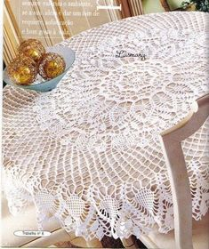 Obrusy (okrągłe, owalne) - Urszula Niziołek - Picasa Web Albums Crochet Tablecloth Pattern, Free Crochet Doily Patterns, Crochet Doily Rug, Crochet Dollies, Crochet Bedspread, Thread Crochet, Knit Or Crochet, Filet Crochet, Mantel Redondo A Crochet