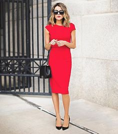 Lady in red❤️ picture hellofashionblog®