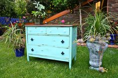 MakeMePrettyAgain: The Agave Color Antique Dresser Make-over