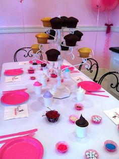 Cupcake party table setup - even more fun when at Cupcake Wars star- Casey's Cupcakes Cupcake Wars Party, Cupcake Decorating Party, Cupcake Gift, 9th Birthday Parties, Baking Party, Beautiful Cupcakes, Sleepover Party, Party Venues, Childrens Party