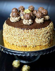 Ferrero Rocher Cheesecake, Sweet Desserts, Dessert Recipes, Fika, 20 Min, Low Carb Recipes, Tiramisu, Panna Cotta, Caramel
