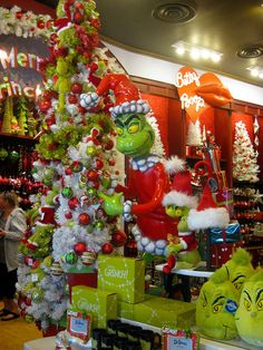 Grinch Christmas Tree by San Smith, via Flickr
