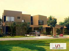 UN Construcciones y Diseños, Guayaquil-Ecuador. Duplex en Terrasol de fachada moderna. Vendidas!