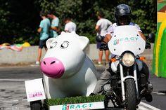 https://flic.kr/p/wmVnyJ | Caravane RAGT Semences - TDF 2015 | Montée vers la Toussuire.  Tour de France 2015 Etape 19 (Saint-Jean-de-Maurienne / La Toussuire - Les Sybelles) - Savoie, Rhône-Alpes, France.  (07/2015) © Quentin Douchet.