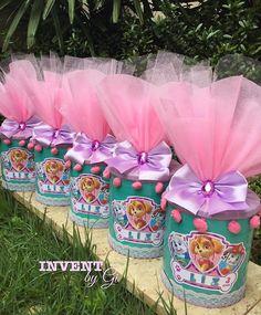 La imagen puede contener: planta y exterior Girl Paw Patrol Party, Paw Patrol Dress, Sky Paw Patrol, Paw Patrol Birthday Girl, Trampoline Birthday Party, Barbie, Birthday Decorations, 3rd Birthday, Birthdays