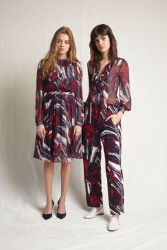 Warm Resort 2018 Fashion Show Collection