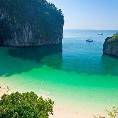 Provedite dan sa nama na Hong ostrvu. Stvarajte divne uspomene :) 📨 www.majatoursthailand.com/product/hong-island-full-day-tour/ #hong #ostrvo #tajland #izlet #odmor #uzivanje #razgledanje #kupanje #suncanje #more #maja_tours