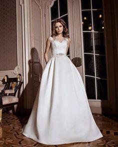 В наличии платье Martin 2016 года из коллекции Lite by DOMINISS  ул Сумская 59 (050)322 15  ул Сумская 24 (066) 687 77 75 #Dominiss #Dominiss2016 #Litebydominiss #Litebydominiss2015 #dominissevening #лучшиеплатья #collection #dress #verybeautifuldress #eveningdress #свадьба #свадебныеплатья #невеста #твойдень #вашасвадьба #bride #модно #лучшийсалон #eveningdress
