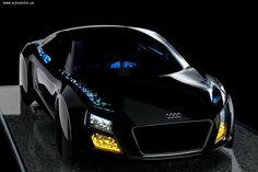 Новые модели Audi не только начнут оснащаться мощными электромоторами, но и получат такие технические решения как автопилот для маневрирования и парковки, а также движения по шоссе на высокой скорости. Безо всяких сомнений у них будут и лазерные фары, способные не только освещать дорогу, но, и акцентировано подсвечивать пешеходов по краям дороги и даже проецировать на дорогу вспомогательную информацию! Ну и весьма вероятно, что в авто будут устанавливаться детали, напечатанные на…