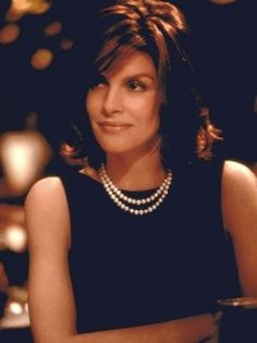 Rene Russo in The Thomas Crowne Affair remake.
