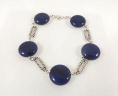 Bracelet lapis lazuli, métal argenté, connecteur metal argent vieilli - Collection été : Bracelet par long-nathalie
