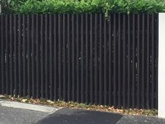 Radial sawn timber fence
